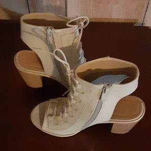 Very Volatile Lace Up Open Toe Boot Size 7